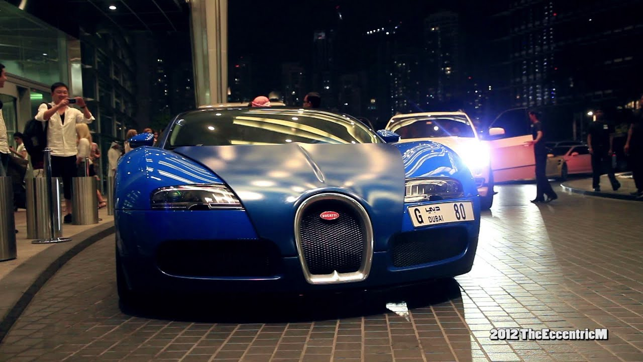 matte blue bugatti veyron grand sport at the dubai mall. Black Bedroom Furniture Sets. Home Design Ideas