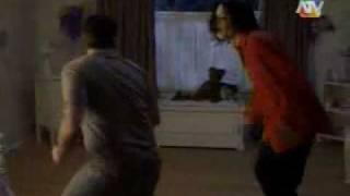 scary movie 3 michael jackson. (en español)