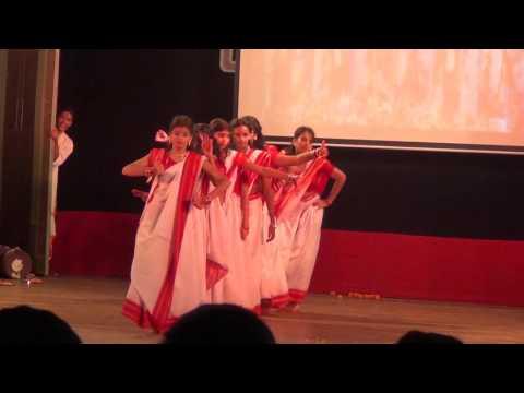Bengali traditional dance by vidya vikasini high school girls (1st Prize)