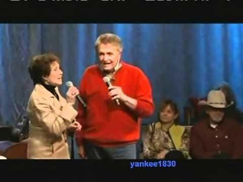 """Bill Anderson & Jan Howard - """"Dis-Satisfied"""""""