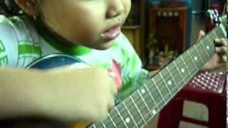 thieu nhi dem hat guitar