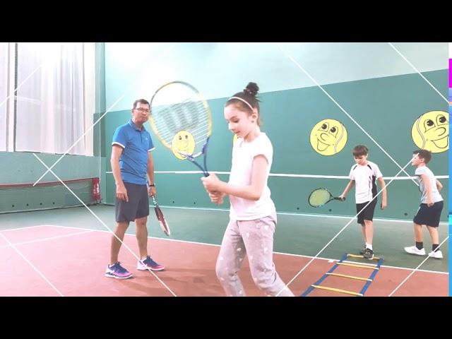 Как проходят тренировки по большому теннису (детские группы)