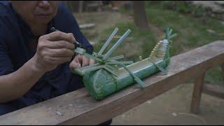 阿木爷爷用竹子做了一艘龙舟,看着好喜欢