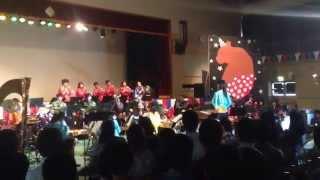 芸術総合高校 四つ葉祭より 吹奏楽部の演奏。 打楽器寄りで撮ってしまっ...