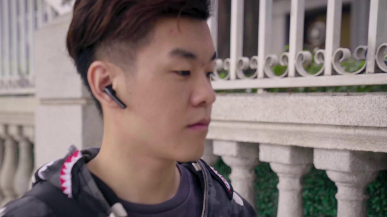 BlitzWolf® BW-FYE8 Long Handle TWS Earbuds