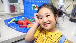 Parodi Dokter Bermain Anak