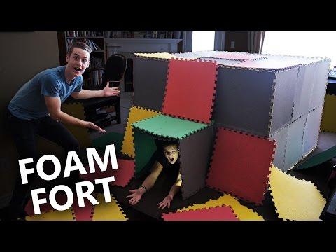 CRAZY INDOOR FOAM MAT BOARD FORT! (CHALLENGE)