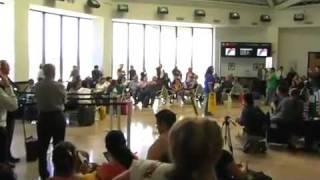 Ópera Ambulante en el aeropuerto de Tijuana
