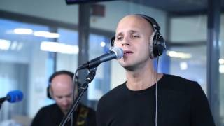 MNM: Milow - Howling at the moon (LIVE)