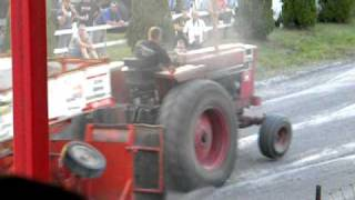 1066 IH Ben Wright pulling Bedford 2010 part 3