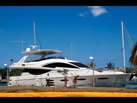 Yate millonario de EEUU llega a la Marina Hemingway en Cuba