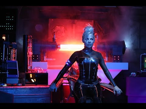 Closer  Gigi Edgley
