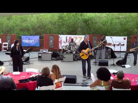 Love N Trust - Paul Brown featuring Melina (Smooth Jazz Family)