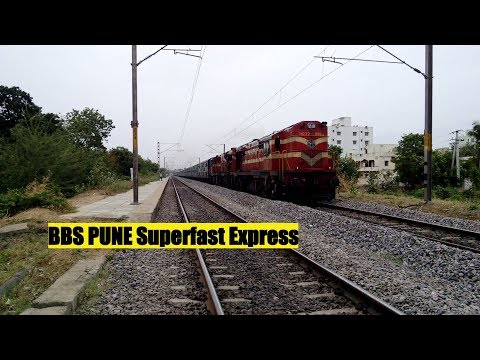 22882 Bhubaneshwar - Pune Superfast Express with KZJ ALCO Twins | Indian Railways !