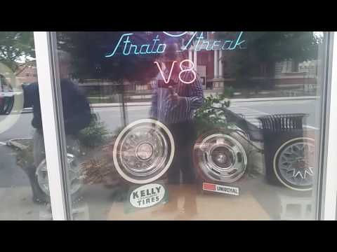 Tour of Pontiac, IL - Route 66 Hall of Fame, Murals and Pontiac-Oakland  Museum
