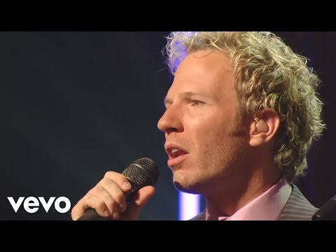 Gaither Vocal Band, Ernie Haase & Signature Sound - Love Is Like a River [Live]