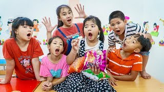 Kids Go To School | Cheerful Lesson Of Chuns And Friends Sister Buys Cake And Treats 2