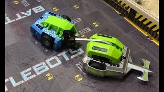 Hexbug Battlebots Arena Pro - Father vs Son - Who will win? - Battlebots Arena Pro Review
