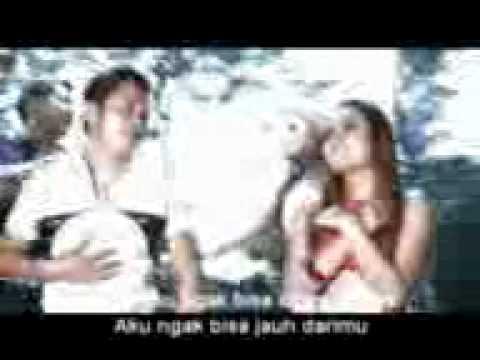 SANDY ANDHIKA & ERNI CHANIA - SETENGAH GILA