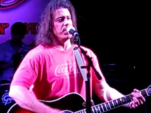 "Download ""Let Me Go"" - Christian Kane live @ Stoney's Rockin Country - 16 Sept 2011"