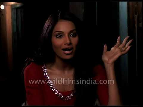 I like my village belle role in 'Omkara', Vishal is easy to work with: Bipasha Basu