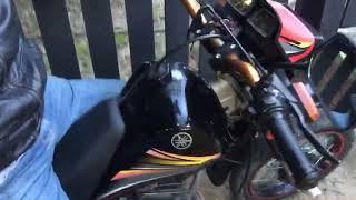 Joche con la moto de guacho