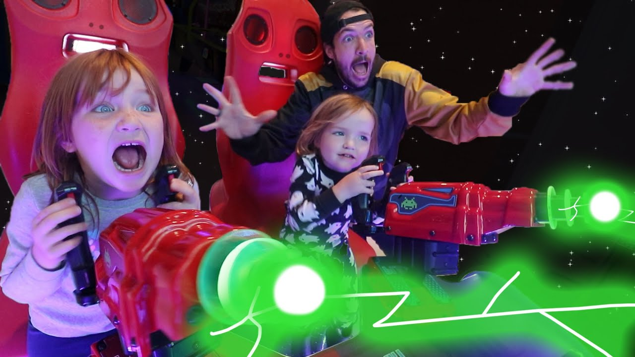KiDS vs ALiENS!!  Adley & Niko win 100 tickets playing at the Arcade! daddy date eating Dragon Candy