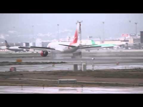 Vim Airlines B757-200 Wet Landing at Barcelona El Prat Airport