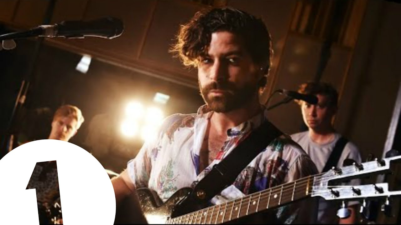 foals-what-went-down-live-at-maida-vale-bbc-radio-1