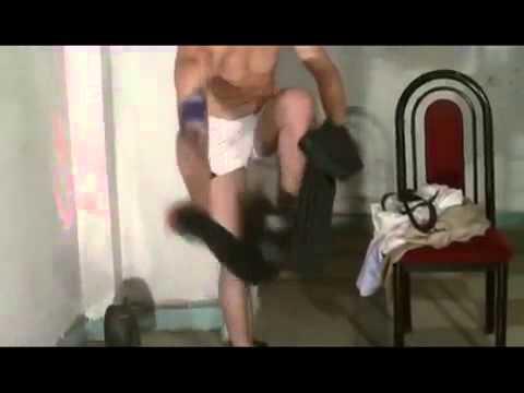 Hombres desnudos en youtube