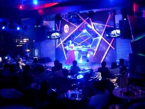 Thương Chồng - Hoàng Châu (Minishow 6.9.2013)
