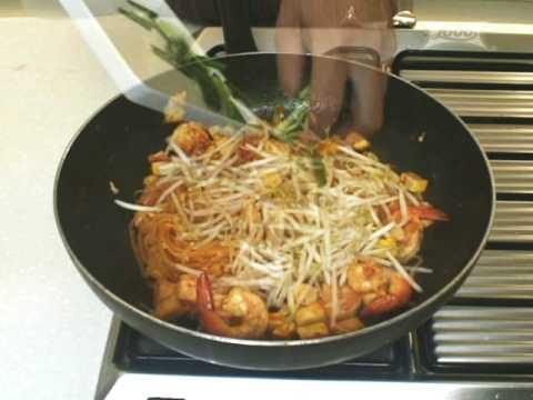 สูตรอาหารไทย: ผัดไทย โดย Lobo (www.lobo.co.th)
