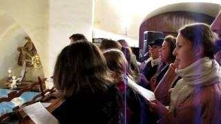 """Z Betléma se ozývá - schola Pozořice """"Pošukov"""" (Půlnoční mše-Vánoce 2009)"""