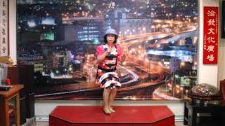 謝麗菁小姐素喜好日本演歌,持有「街頭藝人証」