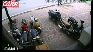 Trộm xe SH trong 3 giây, bước lên mở khóa như xe chính chủ - Cuop.vn