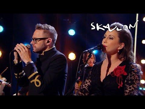 Jocke Berg & Lisa Nilsson  Innan vi faller  Skavlan
