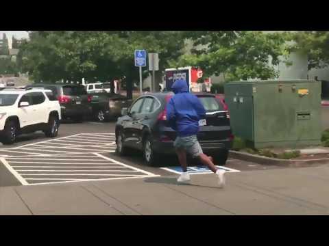 Bystander's video captures Ben Bridge Jeweler robbery suspects fleeing