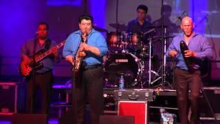 """""""La Gallinita"""" Fito Olivares y la pura sabrosura en vivo desde Houston by Trompo Entertainment!"""