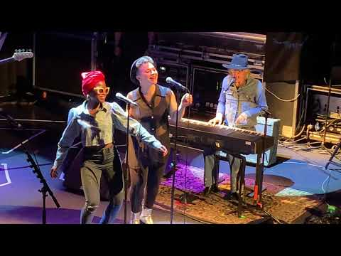 The Whole of the Moon - The Waterboys & Mike Scott - Den Haag Paard van Troje - 14/11/2019