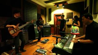 "Djampiro Band BALI ""Medley upbeat songs"" by Deva"
