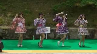 丸亀城フェアでCOCOデコレがミニライブで熱唱、浴衣姿がキュートで可愛...