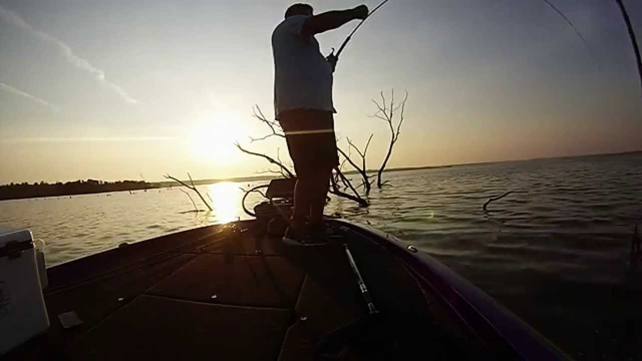 Truman lake crappie fishing youtube for Fishing report truman lake