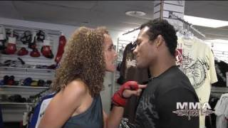 Strikeforce Middleweight Champ Jacaré Fights Karyn Bryant of MMA H.E.A.T.