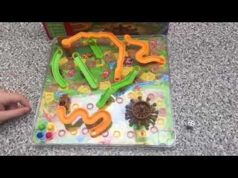 How To Play 3D Snakes And Ladders!