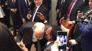 Путин пьёт шампанское с Пеле и Марадоной / Putin drinks champagne with Pele and Maradona