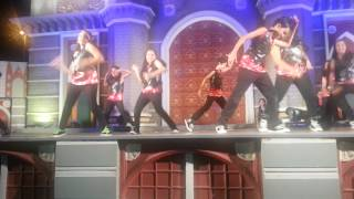 Dolsey (Sajal Bhat) performing in Global Village Dubai on the song of Shake it like Shami hindi song