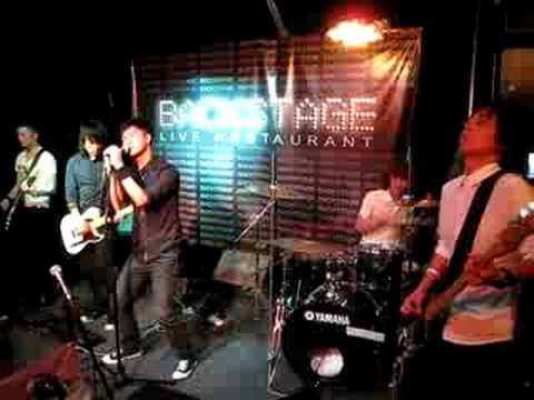 Mr. Cover Maroon 5 'Makes Me Wonder' @ Backstage