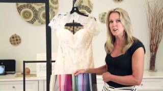 What Color Looks Good Next to a Champagne Wedding Dress? : Wedding Fashions
