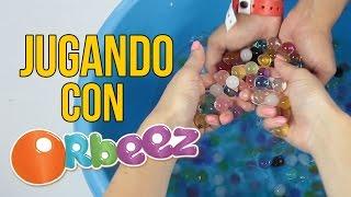 JUGANDO CON ORBEEZ O CANICAS DE AGUA - Juguetes para niños