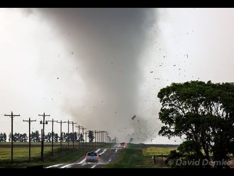 EF-3 tornado near Dodge City, Kansas: May 24, 2016